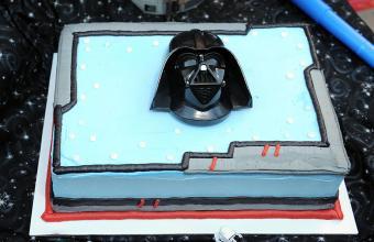 Garth Vader wedding cake