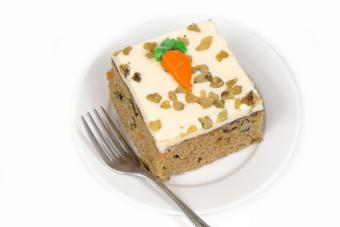 Carrot cake with buttercream carrot