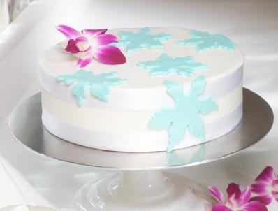 Phenomenal Snowflake Birthday Cake Lovetoknow Funny Birthday Cards Online Fluifree Goldxyz