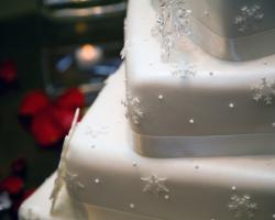 tiered snowflake cake