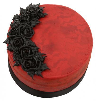 Red Velvet Goth Cake; © Photoeuphoria | Dreamstime.com