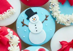 fondant snowman cupcake - Christmas Cupcake Decorations