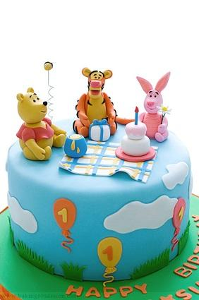 Decorated Winnie the Pooh cake
