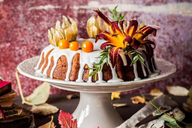Ideas For Decorating A Bundt Cake Lovetoknow