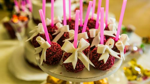 Ribbon Topped Cake Pops