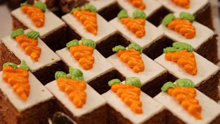 Creative Ideas For Decorating A Carrot Cake