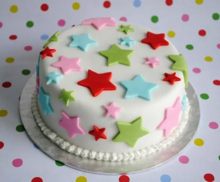 cake-decorated-with-fondant-stars.jpg