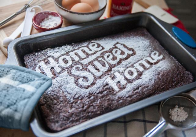 Stenciled Home Sweet Home Chocolate Cake : housewarming cake decorating ideas - www.pureclipart.com