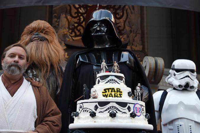 Star Wars themed wedding cake