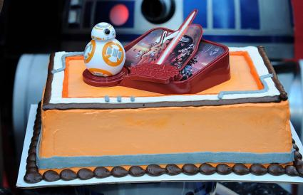 One layer Star Wars cake