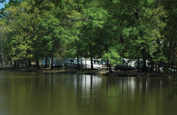 https://cf.ltkcdn.net/camping/images/slide/123176-600x393-Lefleur%27s_Bluff_Two-%28600-x-393%29.jpg