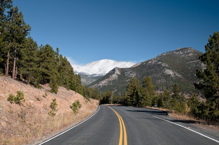 https://cf.ltkcdn.net/camping/images/slide/123224-850x563-rocky_mtn_national_park_CO.jpg