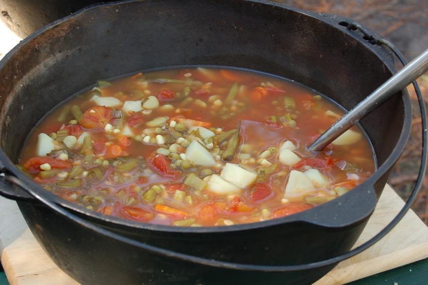https://cf.ltkcdn.net/camping/images/slide/129608-850x565r1-homemade_soup.JPG
