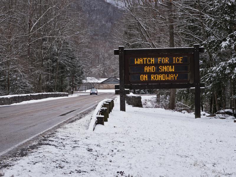 https://cf.ltkcdn.net/camping/images/slide/169378-800x600-winter-weather-forecast.jpg