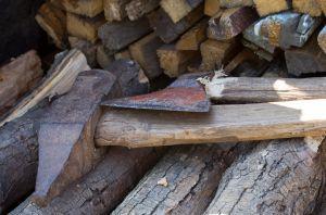 Axe_firewood.jpg