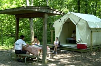 https://cf.ltkcdn.net/camping/images/slide/123045-534x350-RentACampatDeerCreekStatePark.jpg