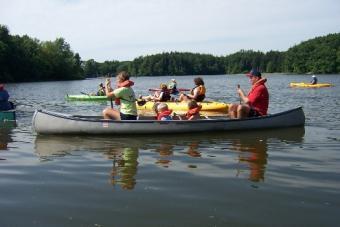 https://cf.ltkcdn.net/camping/images/slide/123050-525x350-CanoeingatFindleyStatePark.jpg