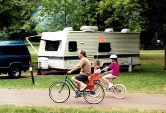 https://cf.ltkcdn.net/camping/images/slide/123054-515x350-BikingatCowanLakeStatePark.jpg