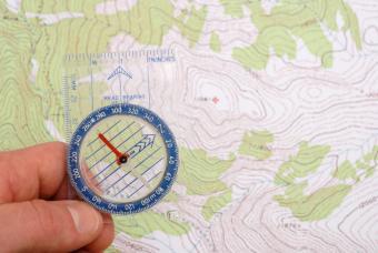 https://cf.ltkcdn.net/camping/images/slide/123110-847x567-outdoor_navigation.jpg