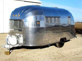 https://cf.ltkcdn.net/camping/images/slide/123133-640x480-57_18ft_travel_trailer.jpg