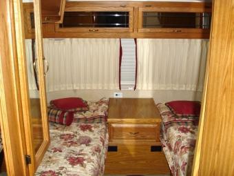 https://cf.ltkcdn.net/camping/images/slide/123146-640x480-99_31_excella_beds.jpg