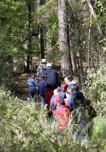 https://cf.ltkcdn.net/camping/images/slide/123168-592x850-Sesqui-Trail.jpg
