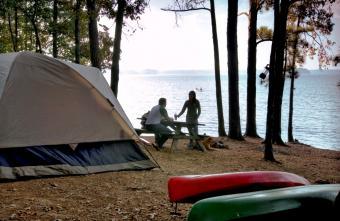 https://cf.ltkcdn.net/camping/images/slide/123205-850x554-Dreher_Island_tent_camping.jpg
