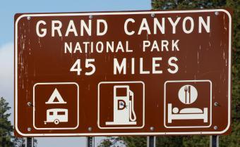 https://cf.ltkcdn.net/camping/images/slide/123217-850x524-grand_canyon_sign.jpg