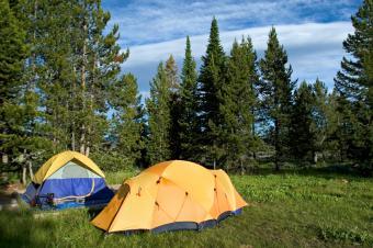 https://cf.ltkcdn.net/camping/images/slide/123219-849x565-gradn_teton_tents.jpg