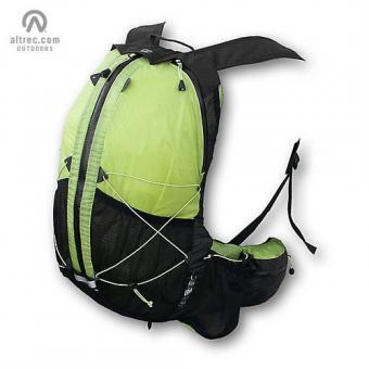 https://cf.ltkcdn.net/camping/images/slide/123294-500x500-lightweight_backpack.jpg