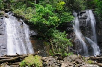 4 Popular North Georgia Hiking Trails to Take In the Mountains