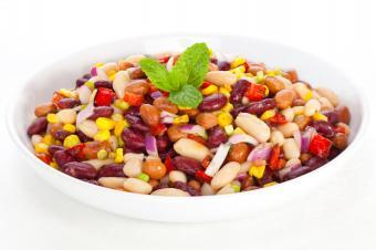https://cf.ltkcdn.net/camping/images/slide/167310-849x565-3-bean-salad.jpg