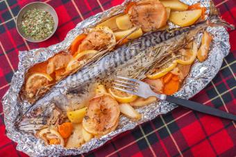 https://cf.ltkcdn.net/camping/images/slide/167467-849x565-fish-veggies-camping.jpg