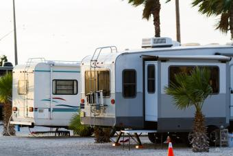 Pull-through camp site for RVs