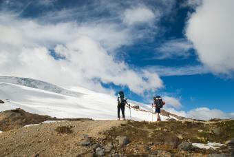https://cf.ltkcdn.net/camping/images/slide/245616-850x569-Railroad-Grade-Trail-Mt-Baker.jpg