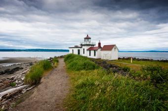 https://cf.ltkcdn.net/camping/images/slide/245619-850x566-Discovery-Park-Lighthouse.jpg