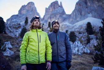 https://cf.ltkcdn.net/camping/images/slide/245766-850x567-warm-jackets-for-hiking.jpg