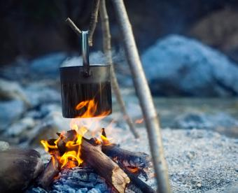 https://cf.ltkcdn.net/camping/images/slide/250996-850x691-9-hiking-camping-tips-tricks.jpg