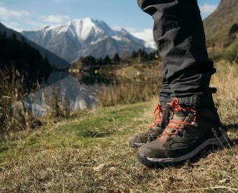 https://cf.ltkcdn.net/camping/images/slide/251001-850x691-5-hiking-camping-tips-tricks.jpg