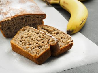 Banana bread and fresh banana