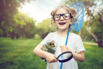 https://cf.ltkcdn.net/camping/images/slide/276111-850x567-girl-chasing-butterflies.jpg