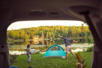 https://cf.ltkcdn.net/camping/images/slide/276127-850x566-camping-soccer.jpg
