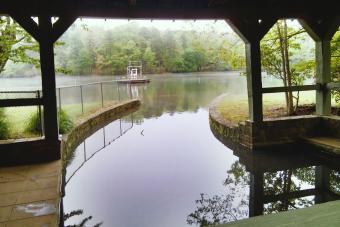 https://cf.ltkcdn.net/camping/images/slide/276292-850x566-sc-state-parks-oconee.jpg