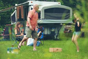 https://cf.ltkcdn.net/camping/images/slide/276413-850x566-pop-up-tent-camper-everywhere.jpg