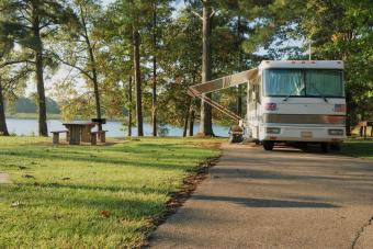 https://cf.ltkcdn.net/camping/images/slide/276447-850x566-lefleurs-bluff-state-park.jpg