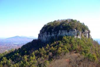 https://cf.ltkcdn.net/camping/images/slide/276763-850x567-pilot-mountain.jpg