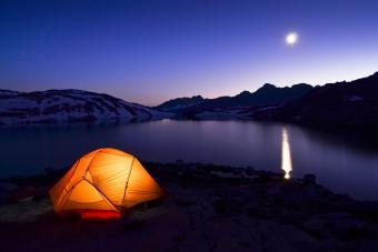 https://cf.ltkcdn.net/camping/images/slide/276807-850x566-enjoying-national-park-camping.jpg