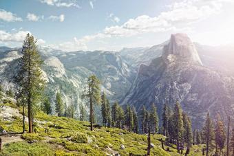 https://cf.ltkcdn.net/camping/images/slide/276818-850x566-yosemite-national-park-1.jpg