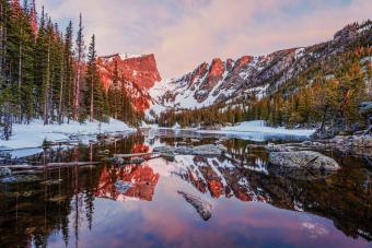 https://cf.ltkcdn.net/camping/images/slide/276819-850x566-rocky-mountain-national-park-1.jpg
