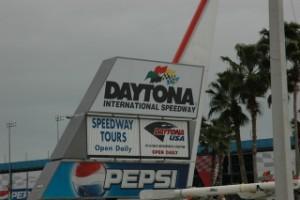 Daytona_speedway.jpg